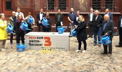 Medienmitteilung: Hafenbecken 3 − Referendum mit 4281 Unterschriften eingereicht